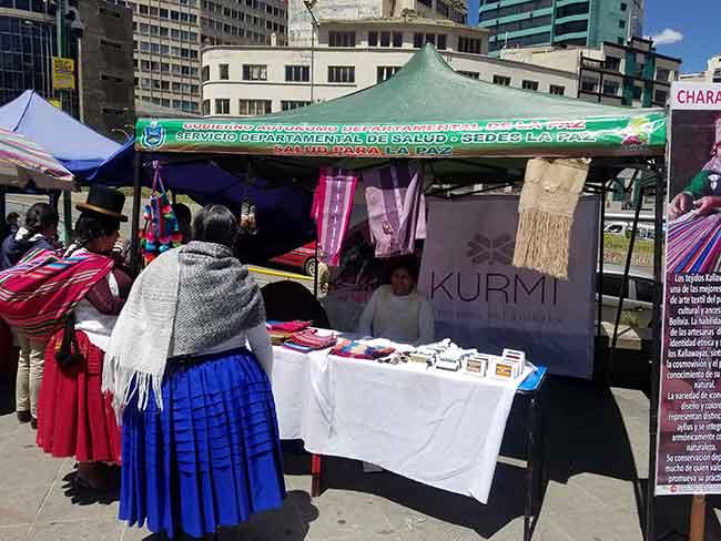 Feria artesanas Bolivia