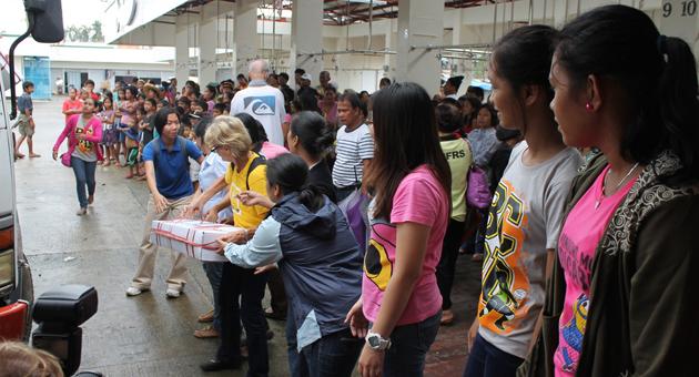 Varias semanas después del tifón en Filipinas