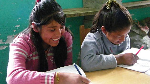 Banco de Santander y la educación como desarrollo social de las niñas