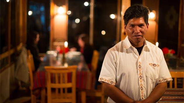 ¿Cómo logran las comunidades indígenas más vulnerables comercializar sus productos turísticos?
