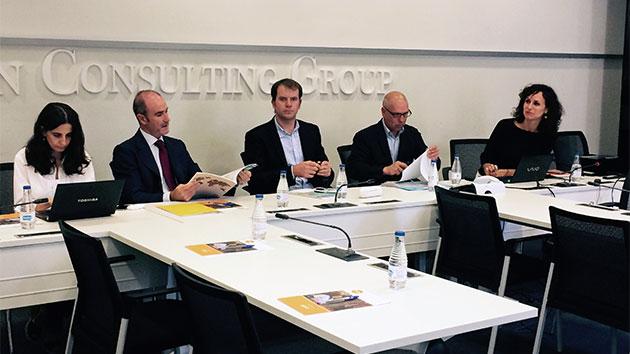 Debatimos con las empresas soluciones al acceso a agua y saneamiento