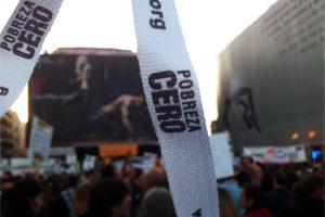 Miles de personas exigen al gobierno que no olvide a los más vulnerables