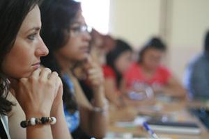 """Promovemos la educación financiera para inmigrantes a través de nuestro proyecto: """"Gestionando mi dinero"""""""