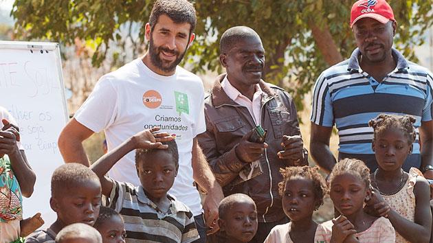 Sebastiao, escuelas de futuro para Katabola