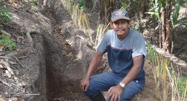 Productores nicaragüenses, en situaciones vulnerables, instalan un sistema de riego que les permite aumentar sus ingresos