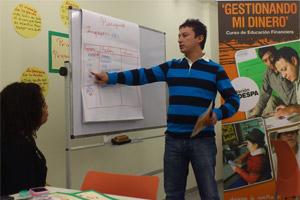 CODESPA forma a migrantes ecuatorianos en educación financiera