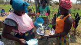Leche de soja para combatir la desnutrición infantil en Angola