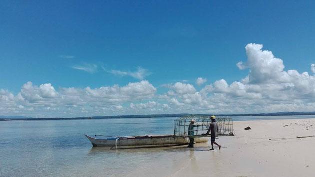 """""""bangkas"""" o barcas de construcción local"""