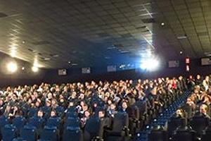 Gran acogida al preestreno de cine a beneficio de la escolarización de niños y niñas de República Dominicana