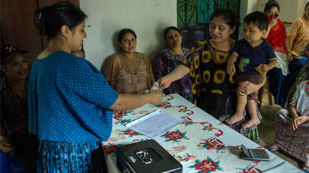 Promoviendo las microfinanzas para reducir la pobreza en las zonas rurales de Guatemala