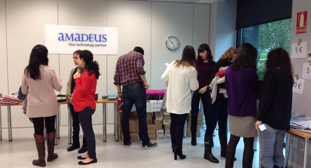Recaudamos 1.836 € gracias a un mercadillo solidario en Amadeus