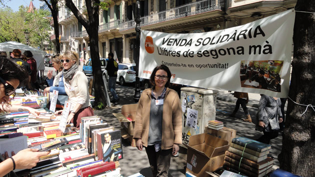 ¡Visita nuestro puesto de libros por Sant Jordi!