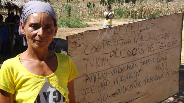 Gracias al proyecto cultivo mis tierras y produzco mis propios alimentos, María #unahistoriaquecontar