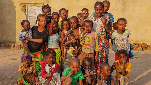 STAGE ENTERTAINMENTE, la productora líder del sector, solidaria con África