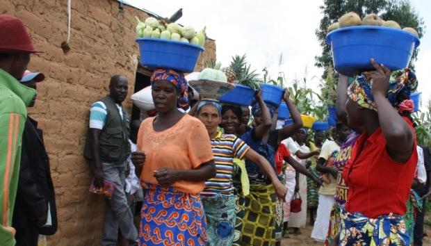 Nueva entrega de títulos que reconocen las tierras de campesinos en Angola