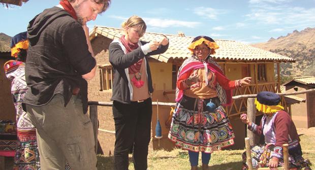 """Más de 3.300 indígenas en situación de pobreza se benefician ya del programa de turismo rural comunitario """"RUTAS"""""""